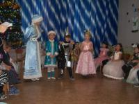 В преддверии Нового года в детском саду прошли новогодние театрализованные представления во всех возрастных группах, 3 незабываемых встречи с Дедом Морозом,Снегурочкой и другими сказочными героями