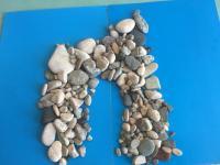 Рисование морскими камушками
