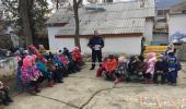В Коктебельском детском саду «Жемчужинка» была проведена беседа с воспитанниками детского сада по изучению правил дорожного движения с участием инспектора ДПС.