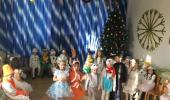 В преддверии Нового года в детском саду прошли новогодние театрализованные представления во всех возрастных группах. С 26 по 28 декабря в детском саду прошло 3 представления – 3 незабываемых встречи с Дедом Морозом,Снегурочкой и другими сказочными героями