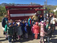 В детском саду прошла учебная тренировочная эвакуацияпо отработке навыков действий в чрезвычайных ситуациях среди сотрудников и воспитанников ДОУ